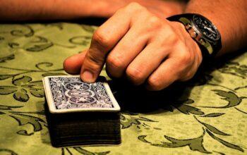 """【經驗】賭場老哥手把手教你玩""""賺""""百家樂預測系統"""